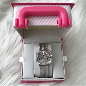 NEVER USED HELLO KITTY WATCH